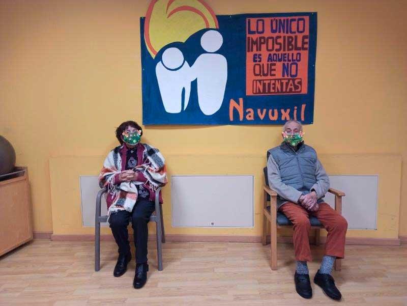 Maiores do Centro de día Navuxil. Decora a túa máscara hixiénica